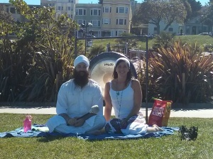 Kundalini Yoga in Dolores Park with Sariah and Seva Simran. :)